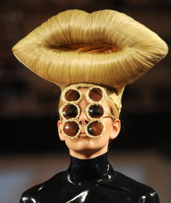 22+ Weird and Funny Fashion Show Trends