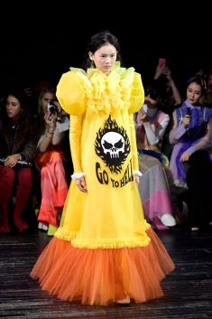RUNWAY-SHOW-VICTOR & ROLF HILARIOUS-YELLOW AND ORANGE DRESS